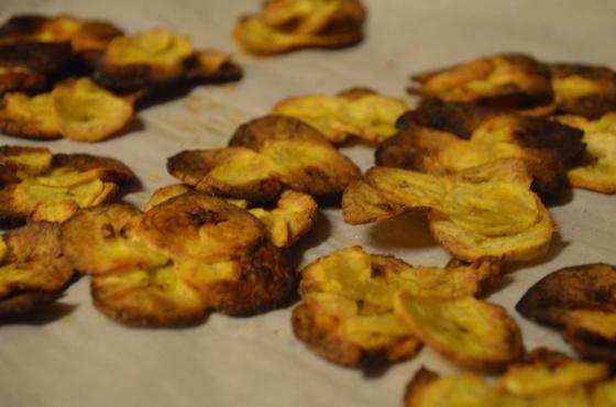 Crispy baked plantain chips